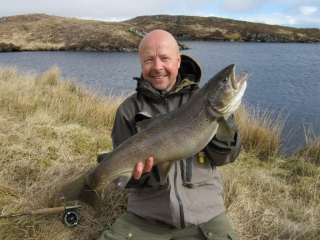 Wee Loch Rod enormous trout