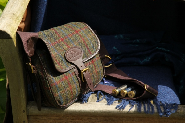 Harris Tweed cartridge bag