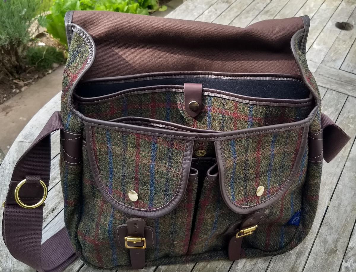 "Strathearn 16"" Harris Tweed bag with laptop insert"